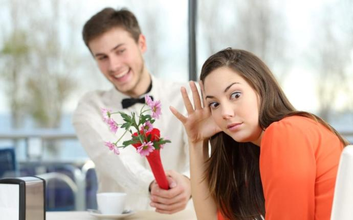 What are the worst questions/date ideas to ask/do on a first date?