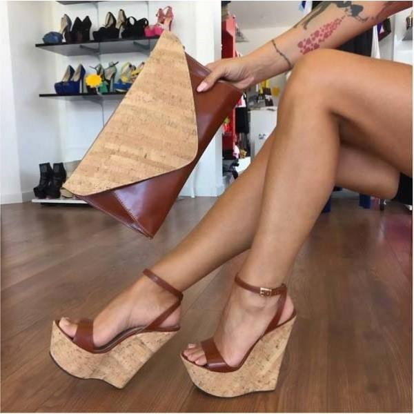What do you think about this womans shoes and pocketbook color combination matching and do you like her tattoo?