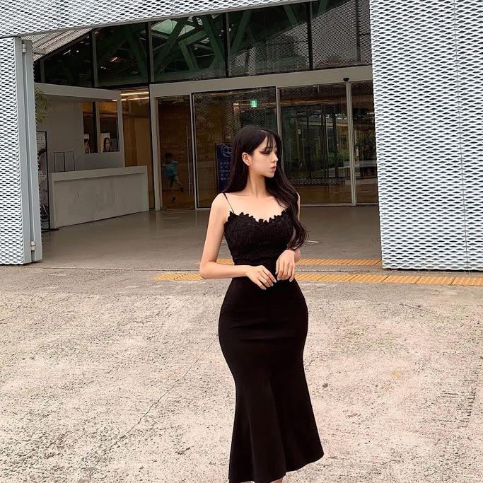 Are her curves perfect if not why?