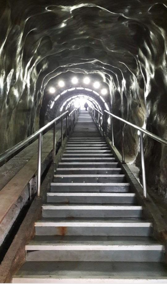 Would you like to visit Salina Turda, the largest (underground) salt mine museum and theme park?