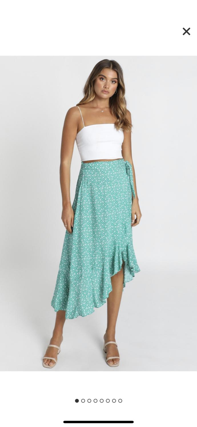 Do men find maxi skirts attractive?