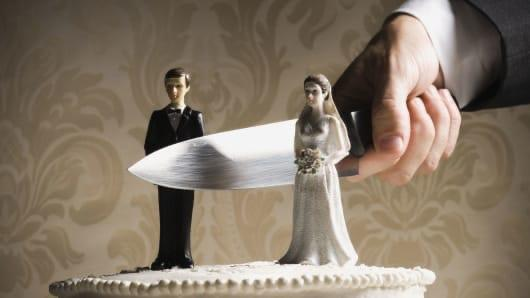 Which of the two sexes is more at fault for the high rates of divorces in the modern world?