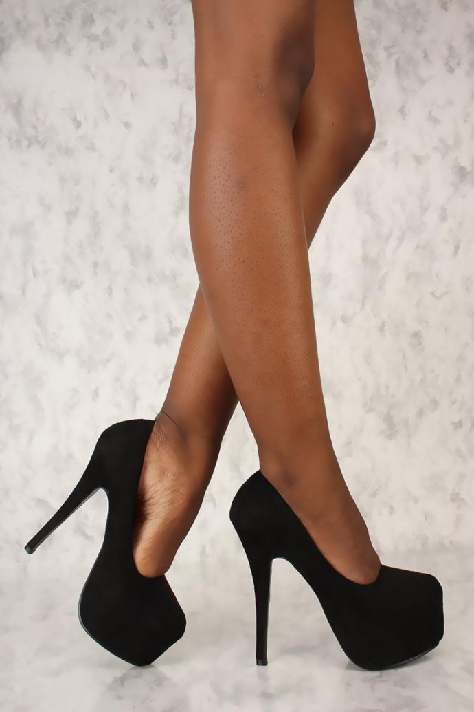 What shoes look best for the black dress?