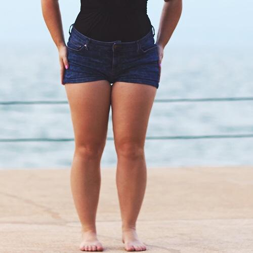 Which do you prefer?: thick thighs or thin thighs?