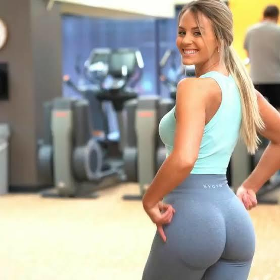 Why women have bigger butts than men?