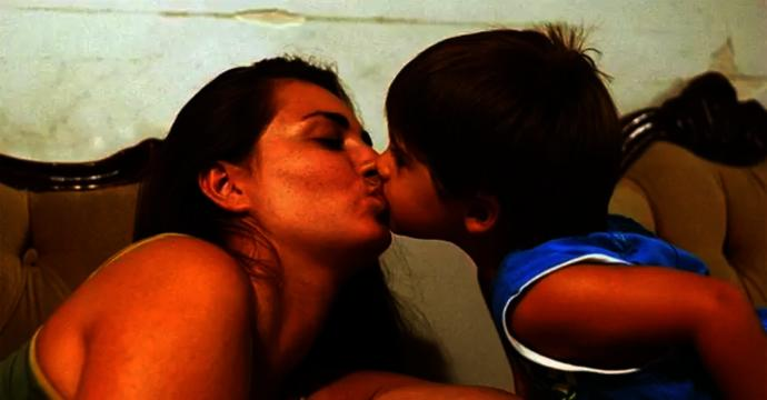 Do you agree with psychologists that parents ought to stop kissing their children on the lips as it causes confusion?