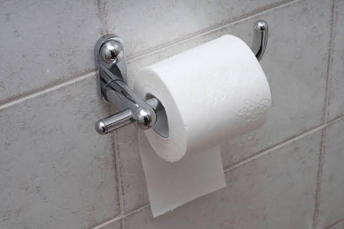 Which way do you use toilet paper?