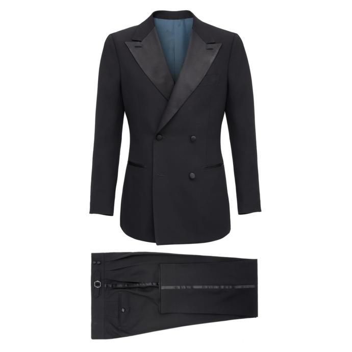 Which tuxedo looks better ?