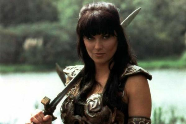 Who hotter Xena or Wonder woman?