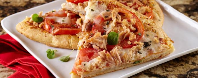 Is Pizza better fresh out of the oven or refrigerated?