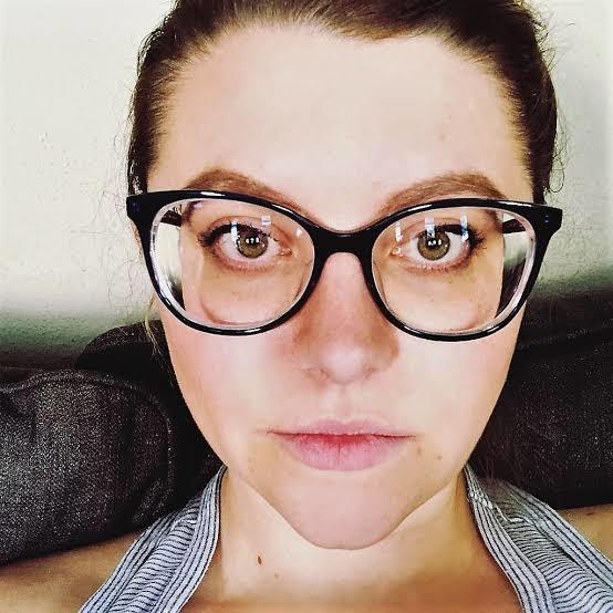 Can you be in relationship with someone who uses thick power glasses?