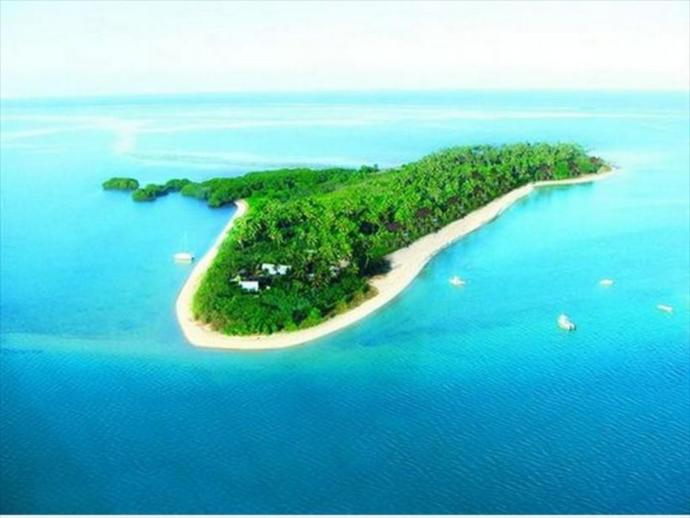 How long you think stay in this island alone and without internet?