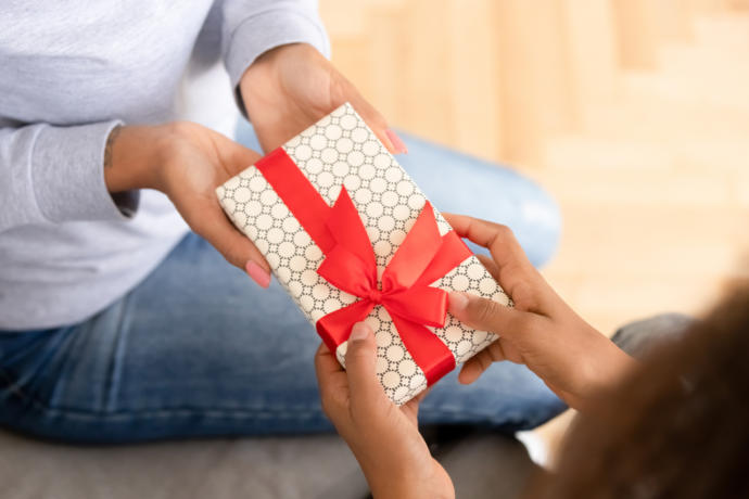 How do you refuse a gift from your partner?