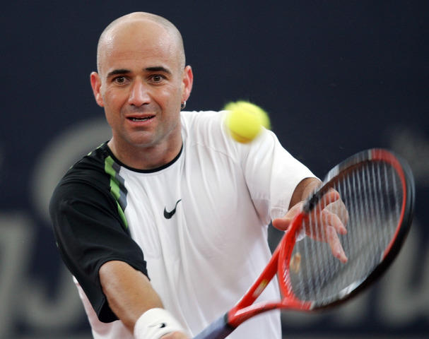 Was Andre Agassi a better tennis player when he had hair or had no hair?