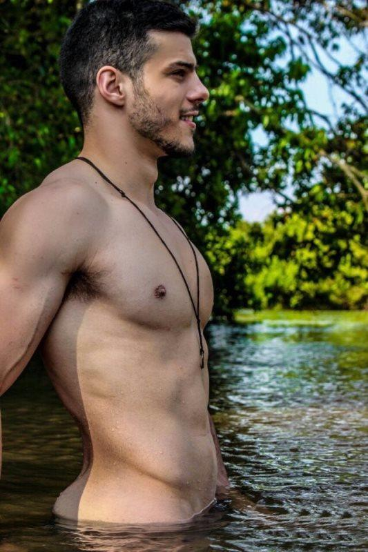 When youre skinny dipping with a group of friends (coed), do you expect the guys to be hard? What skinny dipping experience was your favorite?