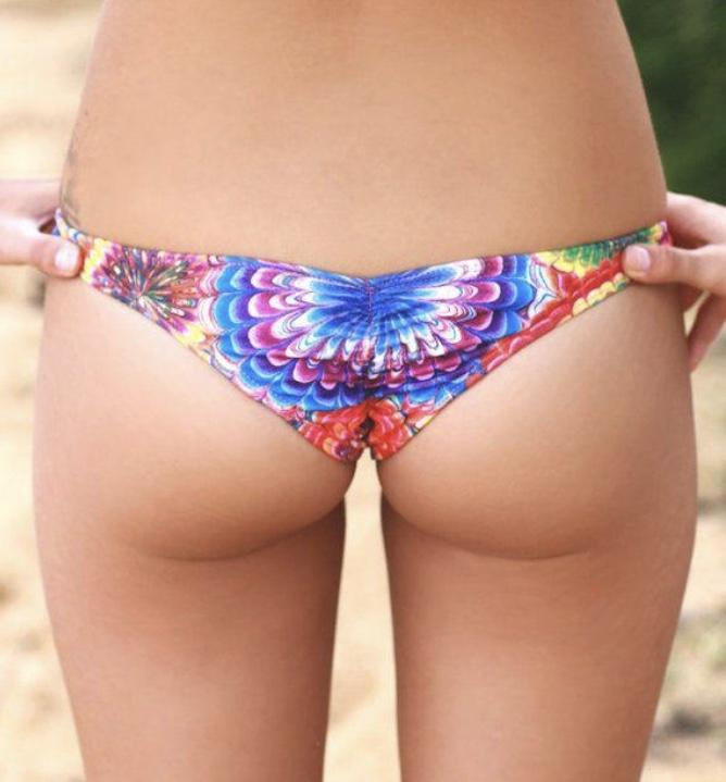 Guys, Do men prefer small or big butts?