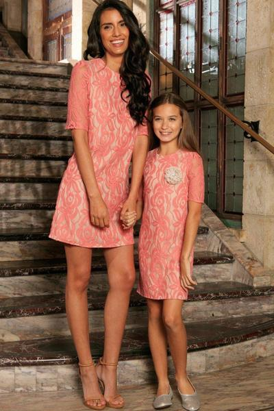 Do you think mothers and daughters ought to wear similar type dresses or clothes?