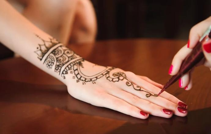 What do you think of henna body art?