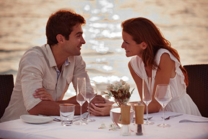 When you are on a date, do you want, or not want, to hear about the other persons past relationships?