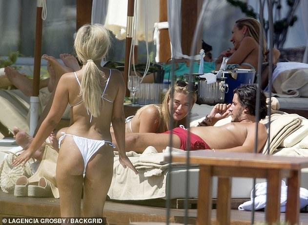 Which bikini bottom do you think looks best?