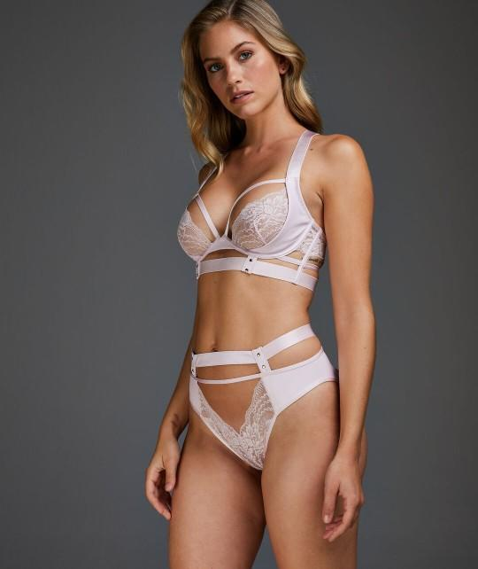 What do you think about this lingerie set?