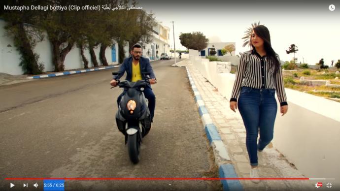 A chubby love interest in a Tunisian Video clip