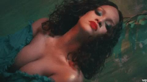 """""""Wild Thoughts"""" Music Video By Rhianna🔥"""