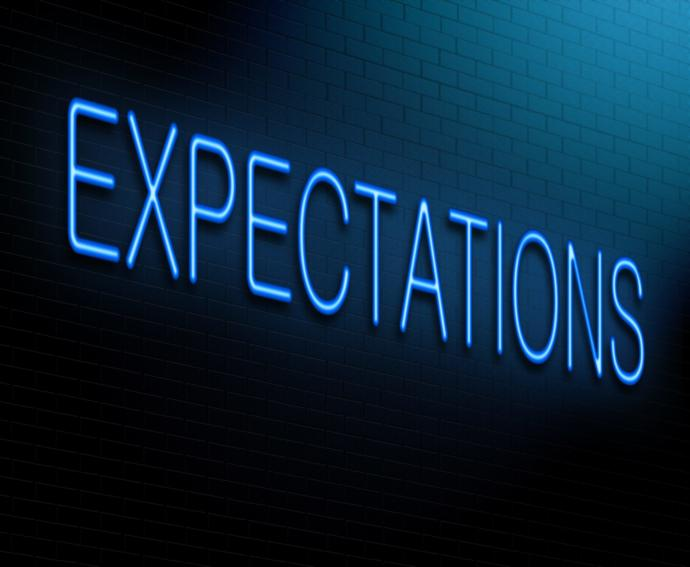 Who has higher expectations for relationships, men or women?