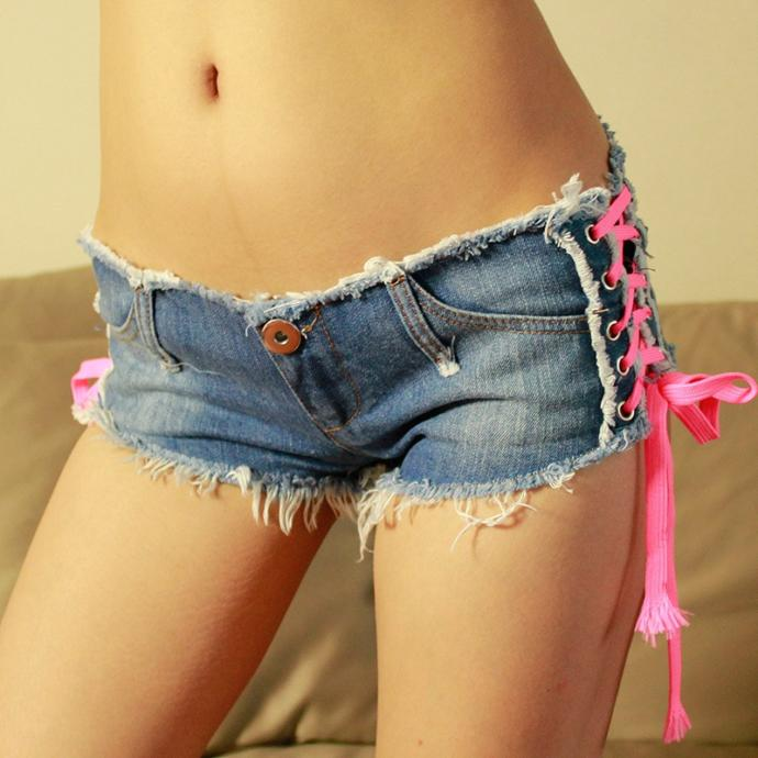 Girls, Personally do u like to wear such very short jeans shorts in public? And have u seen girls that wear such short jeans shorts in public?