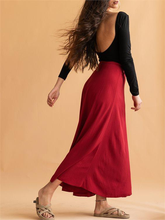 What do you think of this long skirt? Is it too old-fashioned?