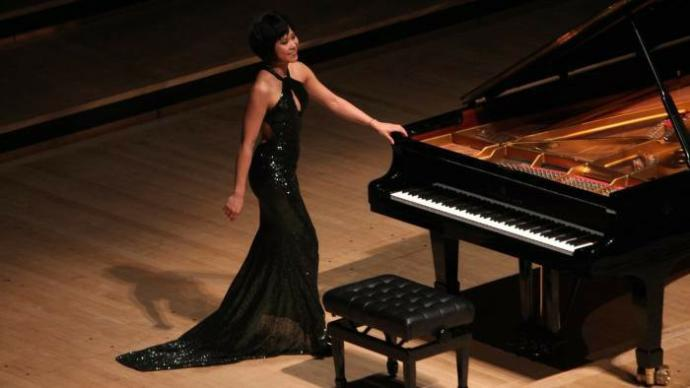 Men, what do you think of female pianists?