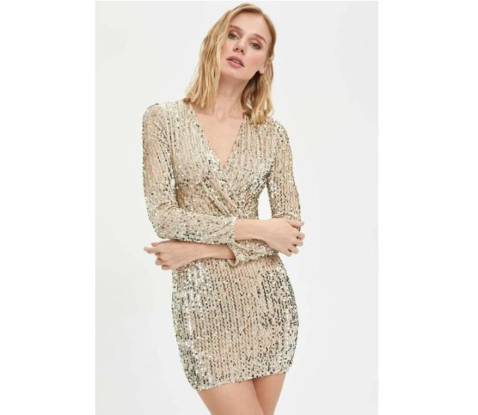 Girls, how is this dress? Would you wear it?