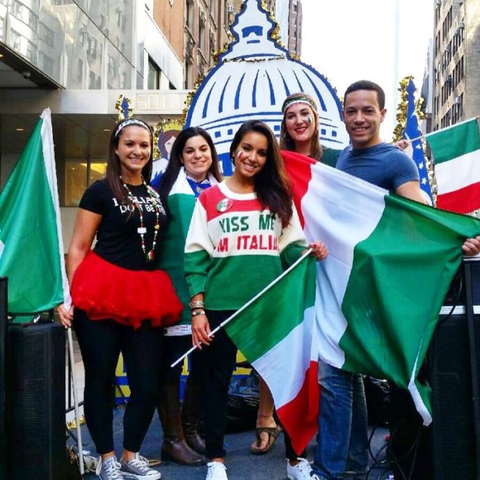 What are some stereotypes that are associated with Italian Americans 🇮🇹 🇺🇸?