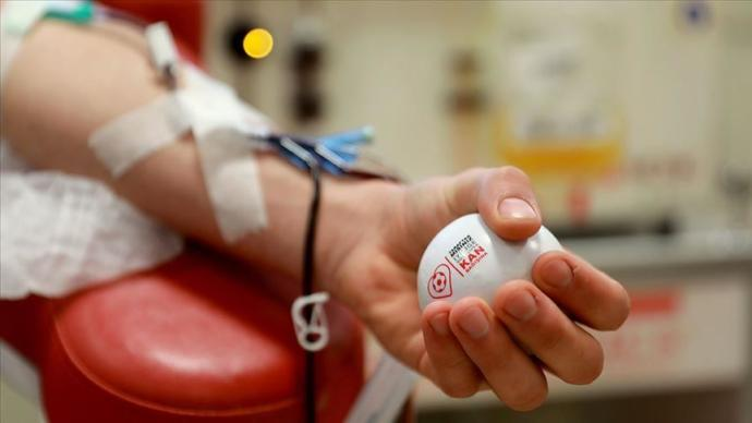 Have you ever been a blood donor? If not, is there any reason (medical, biological, lifestyle, religious, fear) behind not beign one?