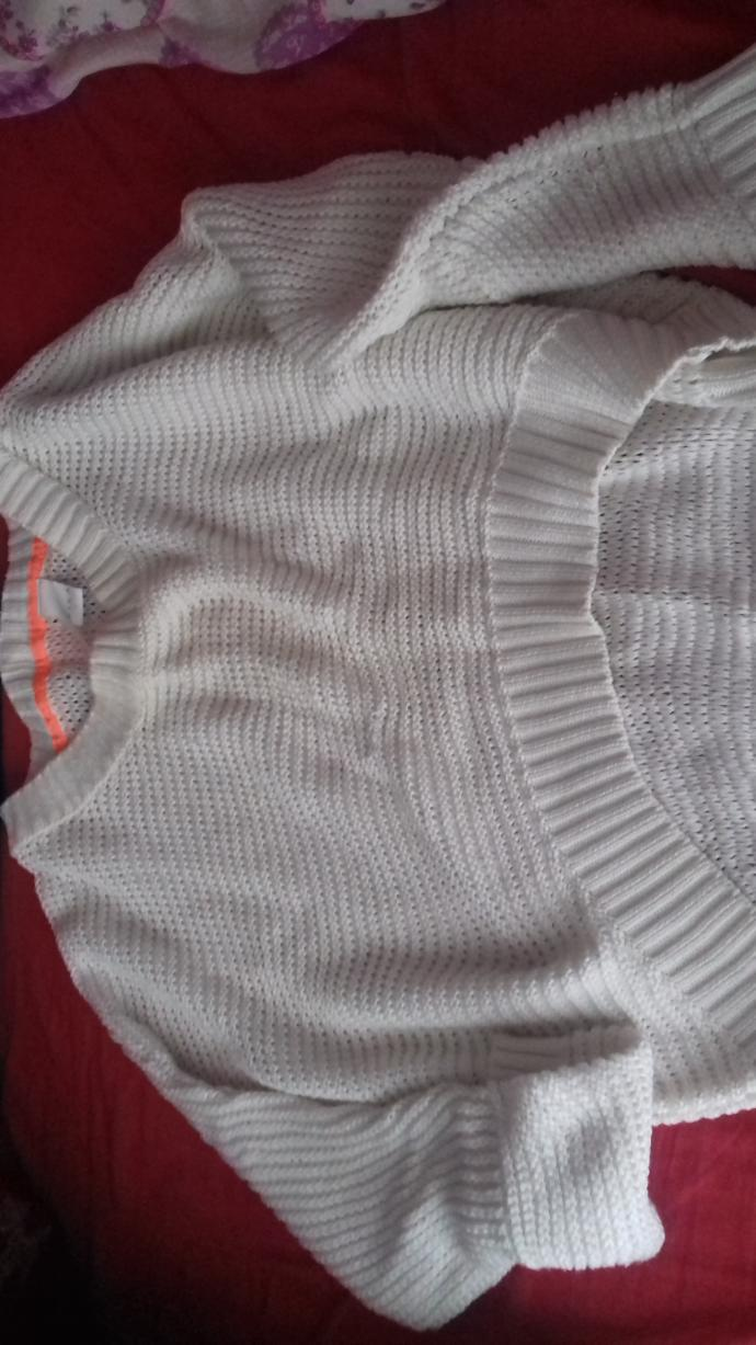What can I wear into of this sweater?