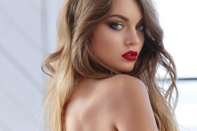 Do you like red lipstick?