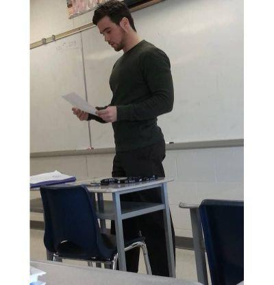 Do you have or had a teacher you think is cute/hot?•!•?📚🤤😍🔥?