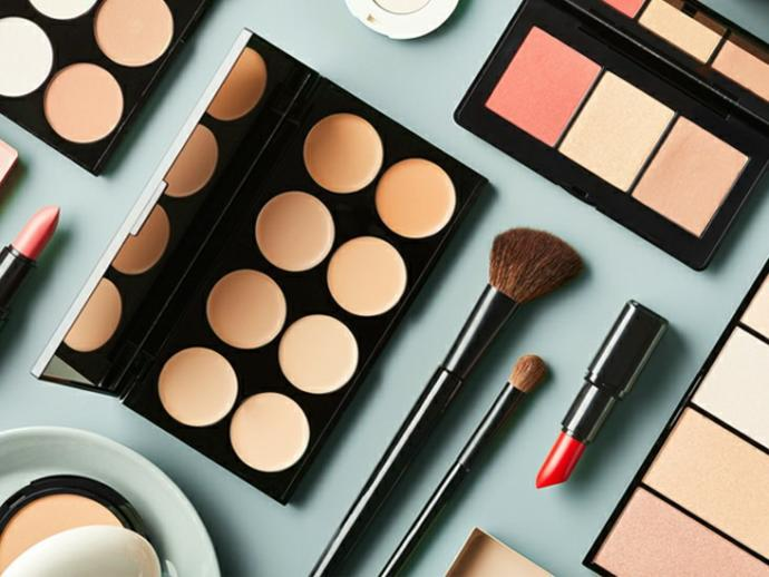 How much money do women spend on makeup monthly?