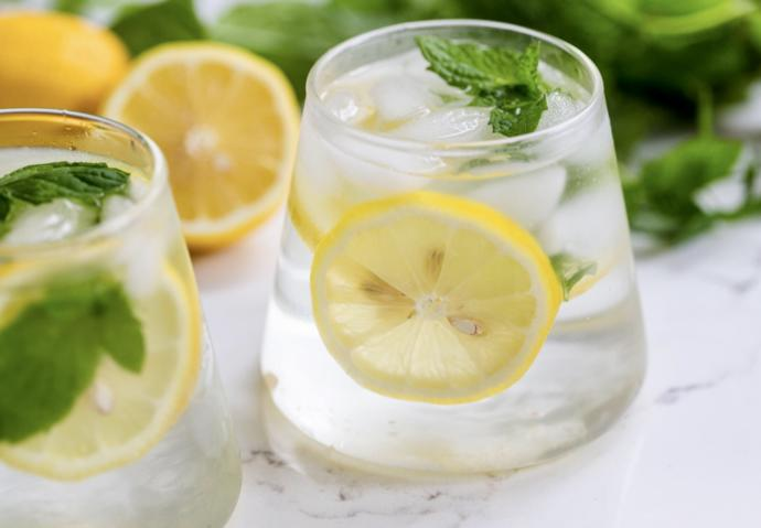 In A Glass Of Water Do You Add A LEMON Or NO LEMON?