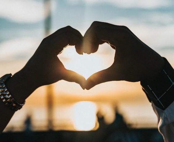 What qualities make someone platonic to you and what qualities make someone romantic to you?
