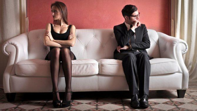 If a girl starts a quarrel and is wrong, should the guy wait for an apology?