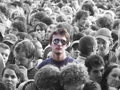 Do you feel alone in crowd?