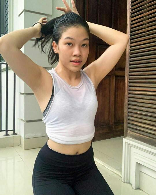Do you prefer hairy or shaved armpits? What is the reason?