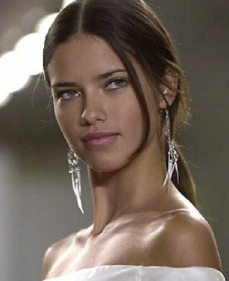 Do you Adriana Lima or Miranda Kerr is prettier?