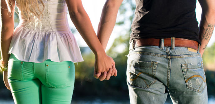 Does complete honest truth both positive and negative early in a courtship destroy a relationship or make it stronger?