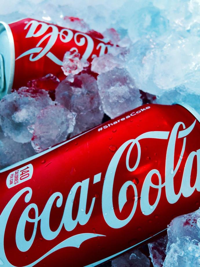 Tell me a beverage that tastes better than an ice cold Coca Cola... Ill wait...😏?