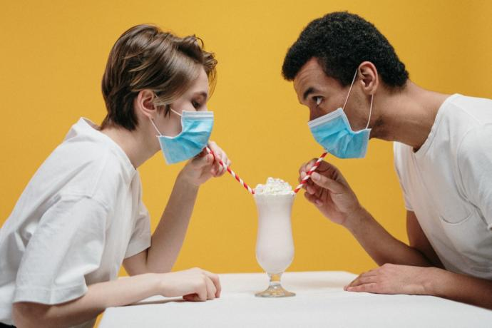 How do you handle face masks in dating, relationships, or friendships?