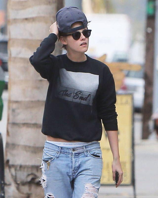 Guys, what do you think of girls who wear mens clothes or boyish clothes?