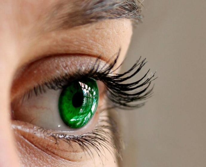 Anyone else think green eyes are absolutely the best eye color and gorgeous?