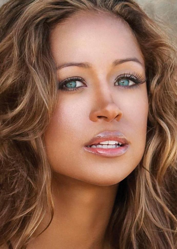 Poll: Renata Notni, Ana de Armas, or Stacey Dash Who has the prettiest eyes?